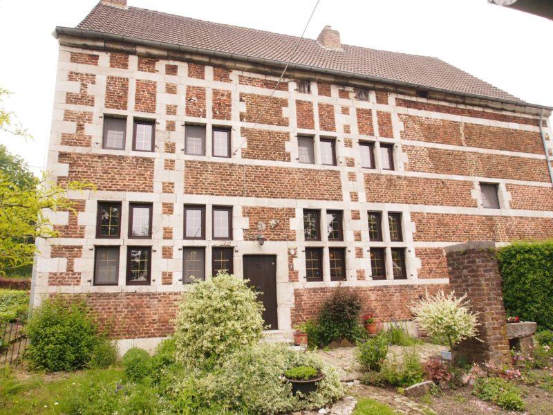 rénovation de châssis maison classée à Herve -Liège
