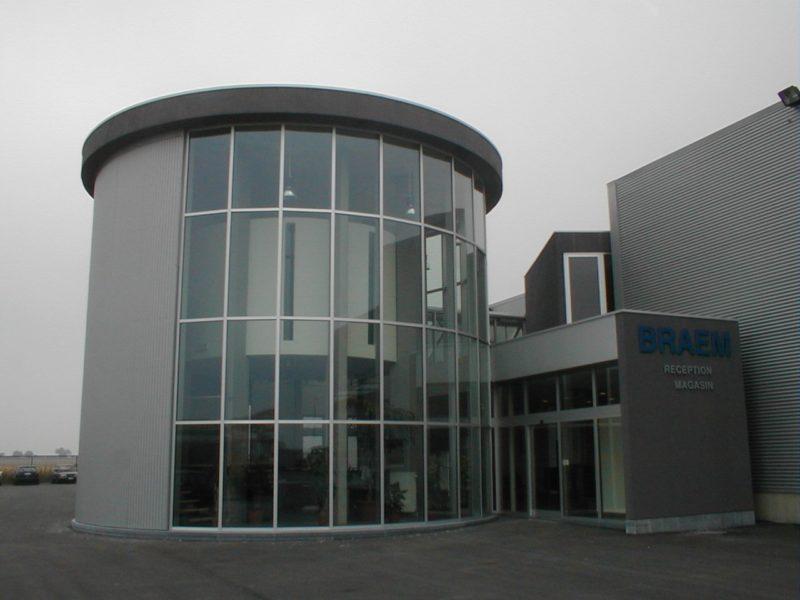fabrication de châssis et mur rideau pour bâtiment industriel
