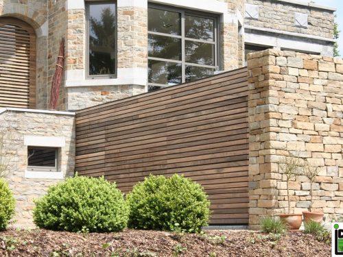Porte de garage sectionnelle bardage bois